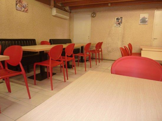 Cafeteria du Centre: La salle sandwicherie