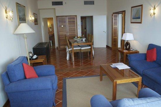 Albatroz Beach & Yacht Club: Suite, Aufenthaltsraum