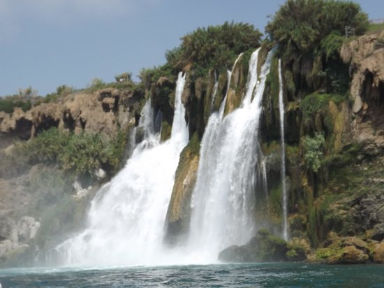 Kervansaray Lara Hotel: waterfall