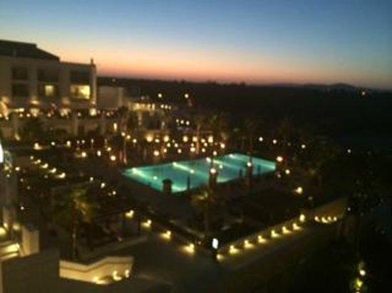 Conrad Algarve: View over pool at night