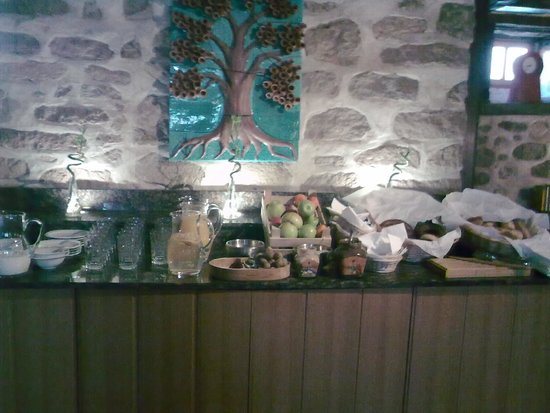 Hich Hotel Konya: buffet choice+ can order eggs etc
