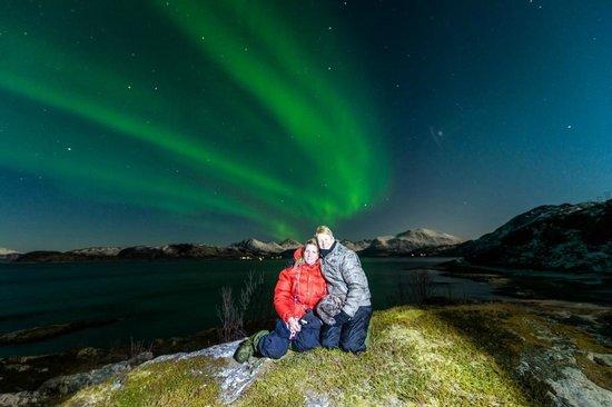 Arctic Experience Tromso: Good friends, enjoying the lights :)