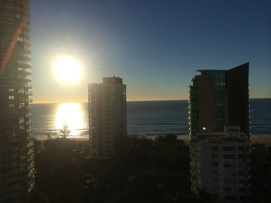 Q1 Resort and Spa : Sunrise from the 12th floor