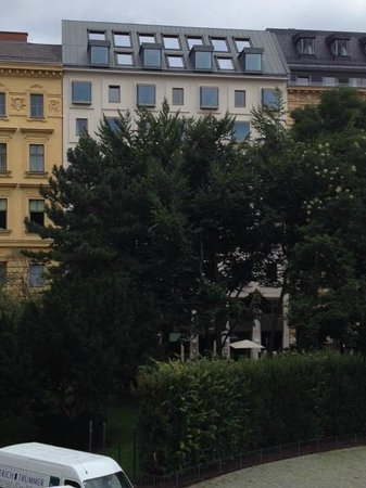 The Guesthouse Vienna: View of the hotel (white building) from Albertina Museum
