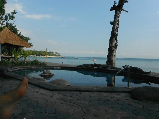 Sheraton Senggigi Beach Resort: Lying by the pool looking out at the beach