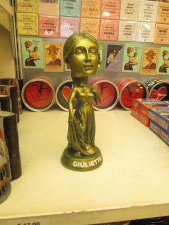 Casa di Giulietta: Gulietta bobble head