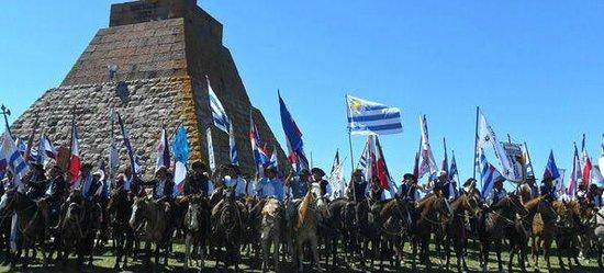 Paysandu Department, أوروجواي: Homenaje a Artigas.