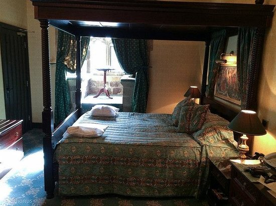 Langley Castle Hotel: The Percy Room