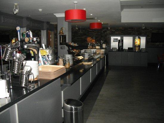 Ibis Hull: food area