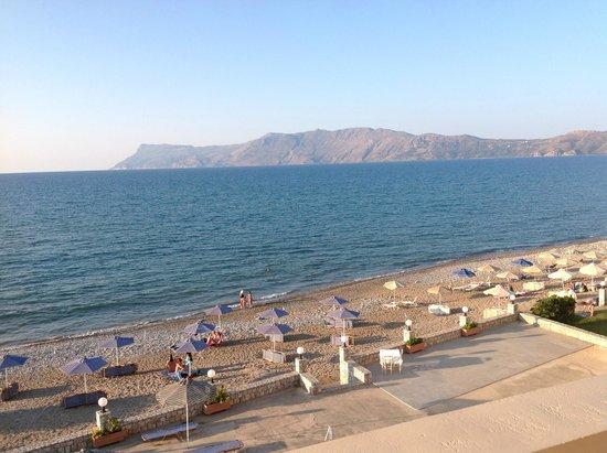 Galini Beach Hotel: Mare e spiaggia vista camera