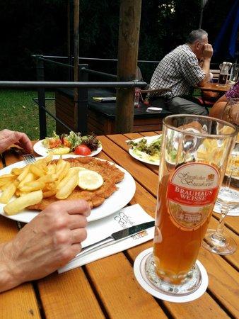 Sorat Insel-Hotel Regensburg : Fürstliche Brauerei Thurn und Taxis Klasse Schnitzel