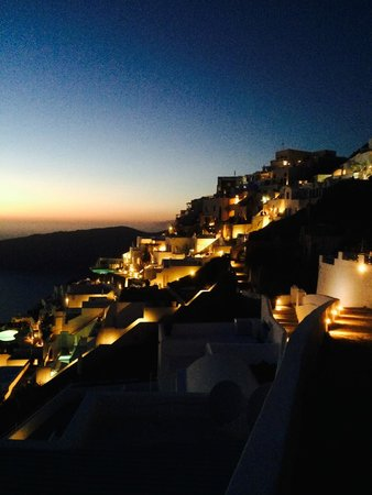 Absolute Bliss Imerovigli Suites: View of Oia from nearby, just after sunset.