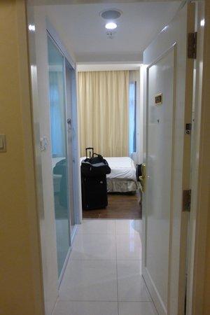 Jayleen 1918 Hotel : camera ingresso