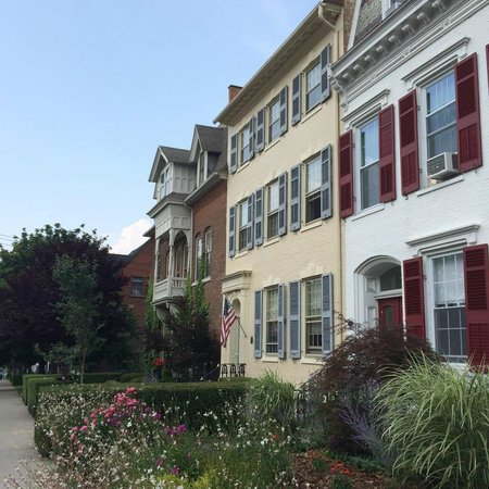 1907 Bragdon House Bed & Breakfast : Main Street in Geneva has gorgeous old homes