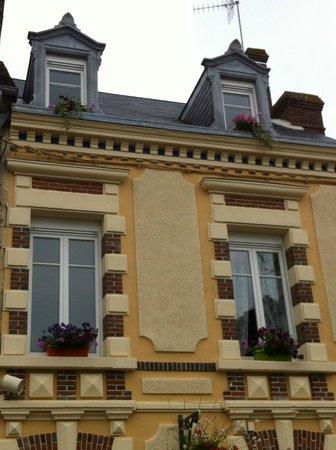 La Mêloise : détails façade