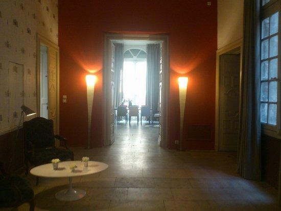 Baudon de Mauny : Entrée de l'hôtel