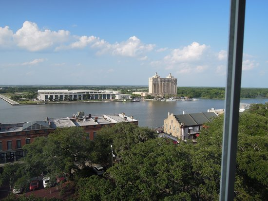 Holiday Inn Express Savannah-Historic District: View from room