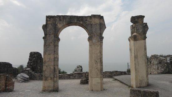 Grotte di Catullo : .