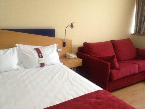 Holiday Inn Express Madrid - Tres Cantos: Habitación