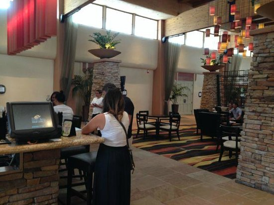 FireSky Resort & Spa - a Kimpton Hotel: Restaurant area, nice details on decoration