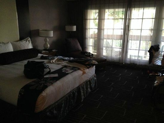 FireSky Resort & Spa: Spacious room
