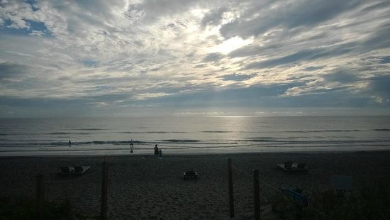 Courtyard Hutchinson Island Oceanside/Jensen Beach: Its a rough life @ Jensen Beach