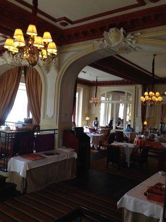 Hôtel Barrière Le Grand Hôtel : Speisesaal