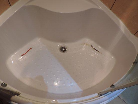 Hotel Liene: Shower