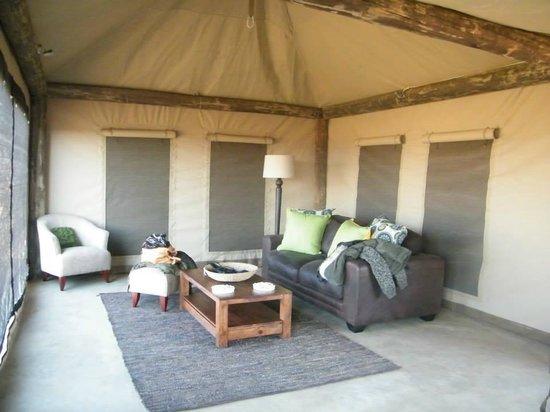 Ndaka Safari Lodge : tent