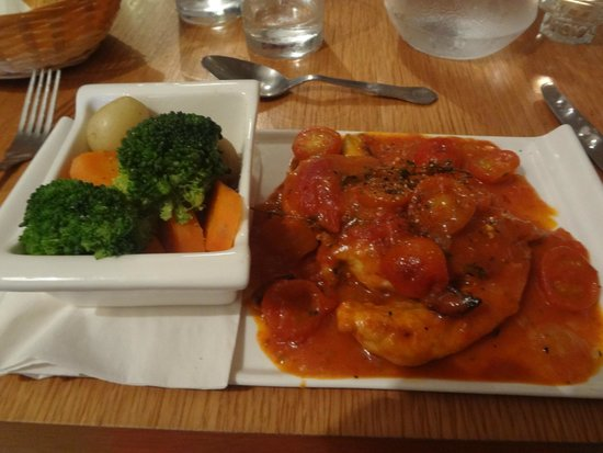 Il Piatto: Breast of chicken with marjoram thyme tomato puree chili & cherry tomato's