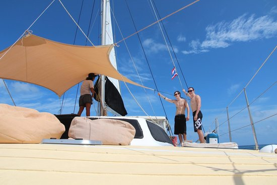SY Nakamal Sail and Dive Charters: The boys onboard
