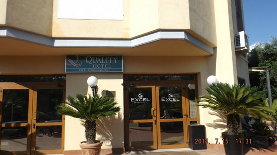 Quality Hotel Excel Roma Ciampino: Entrada