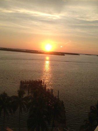 Sanibel Harbour Marriott Resort & Spa : Harbour sunset