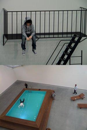 Astrup Fearnley Museet : Весьма реалистично, когда смотришь на бассейн сверху,а на мальчика снизу