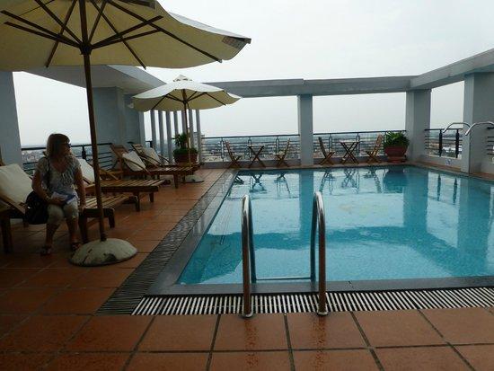 Romance Hotel: La piscine