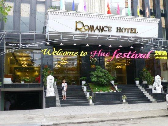 Romance Hotel: L'entrée de l'hôtel