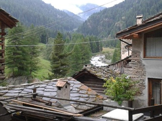 a' l'Hostellerie du Paradis : panorama vanaf terras en diverse kamers