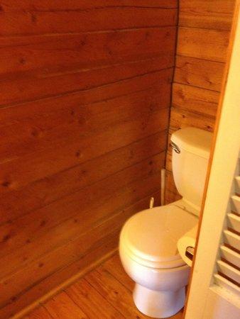 Fredericksburg KOA Kampground : toilet