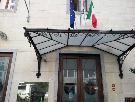 Hotel Federico II - Central Palace: Парадный вход