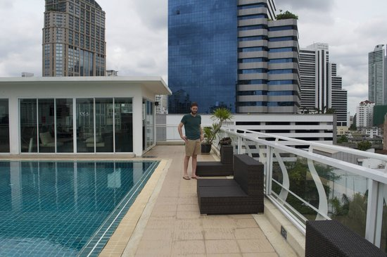 Bless Residence: Rooftop Pool