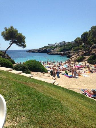 Inturotel Esmeralda Park: View of Cala Esmeralda from the beach bar
