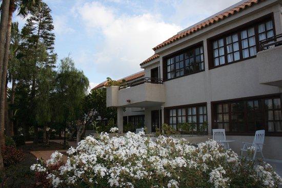 Fuentepark Apartamentos: Garden - Jardín