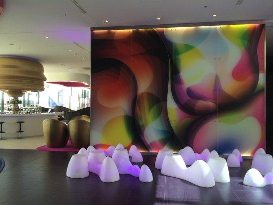 nhow Berlin: Lobby