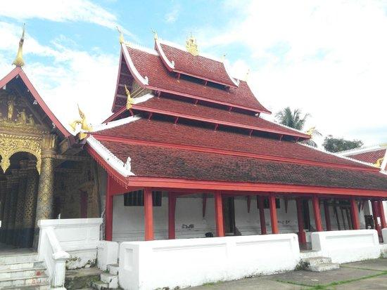 Wat Mai Suwannaphumaham: building 2