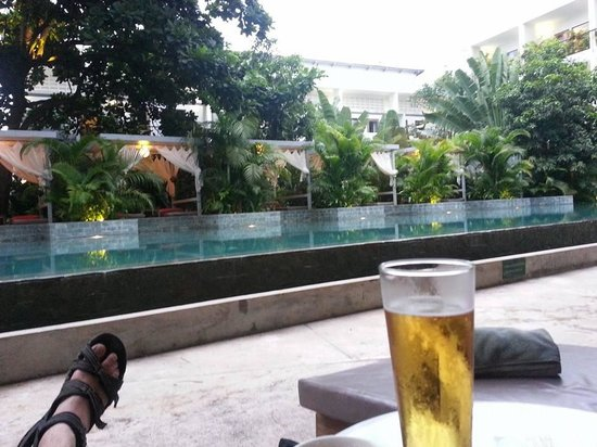 The Plantation: Relaxing poolside