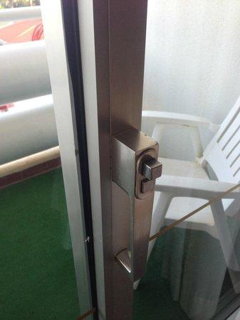 Tivoli Marina Vilamoura: Balcony door