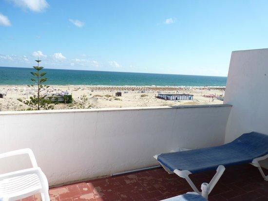 Vasco da Gama Hotel: View of beach from balcony