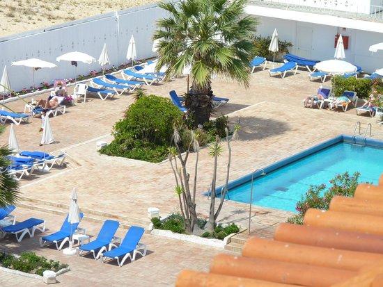 Vasco da Gama Hotel: Pool area