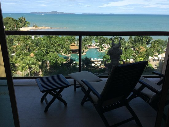 Centara Grand Mirage Beach Resort Pattaya: balcony