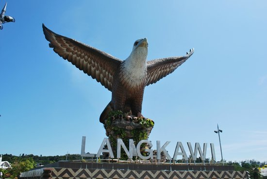 Kilim Karst Geoforest Park: An icon of Langkawi: the statue at Eagle's Square